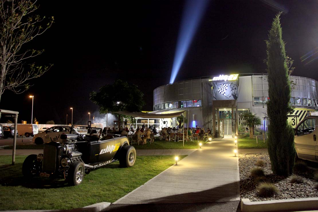 ellip6 centre in Pierrelatte by night